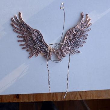 Med vingar på väggen