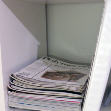 Hyllfack 4 – inspirationstidningar och pärm