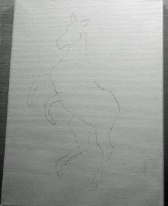 Tunna svarta linjer på en canas som visar konturerna av en stegrande häst