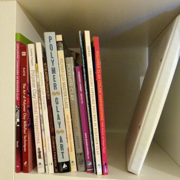 Hyllfack 1 – Böcker om polymer clay