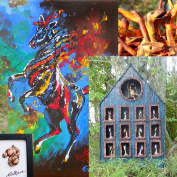 Samlingsbild med flera skulpturer och tavlor med hästmotiv