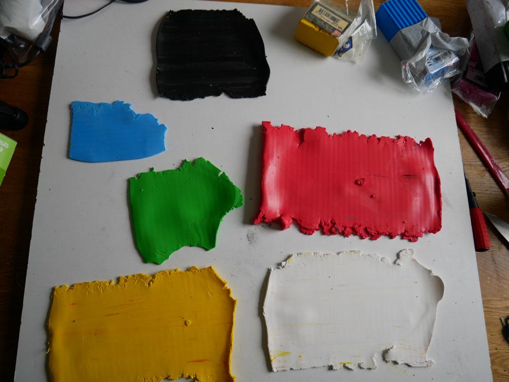 Polymerlera i olika färger